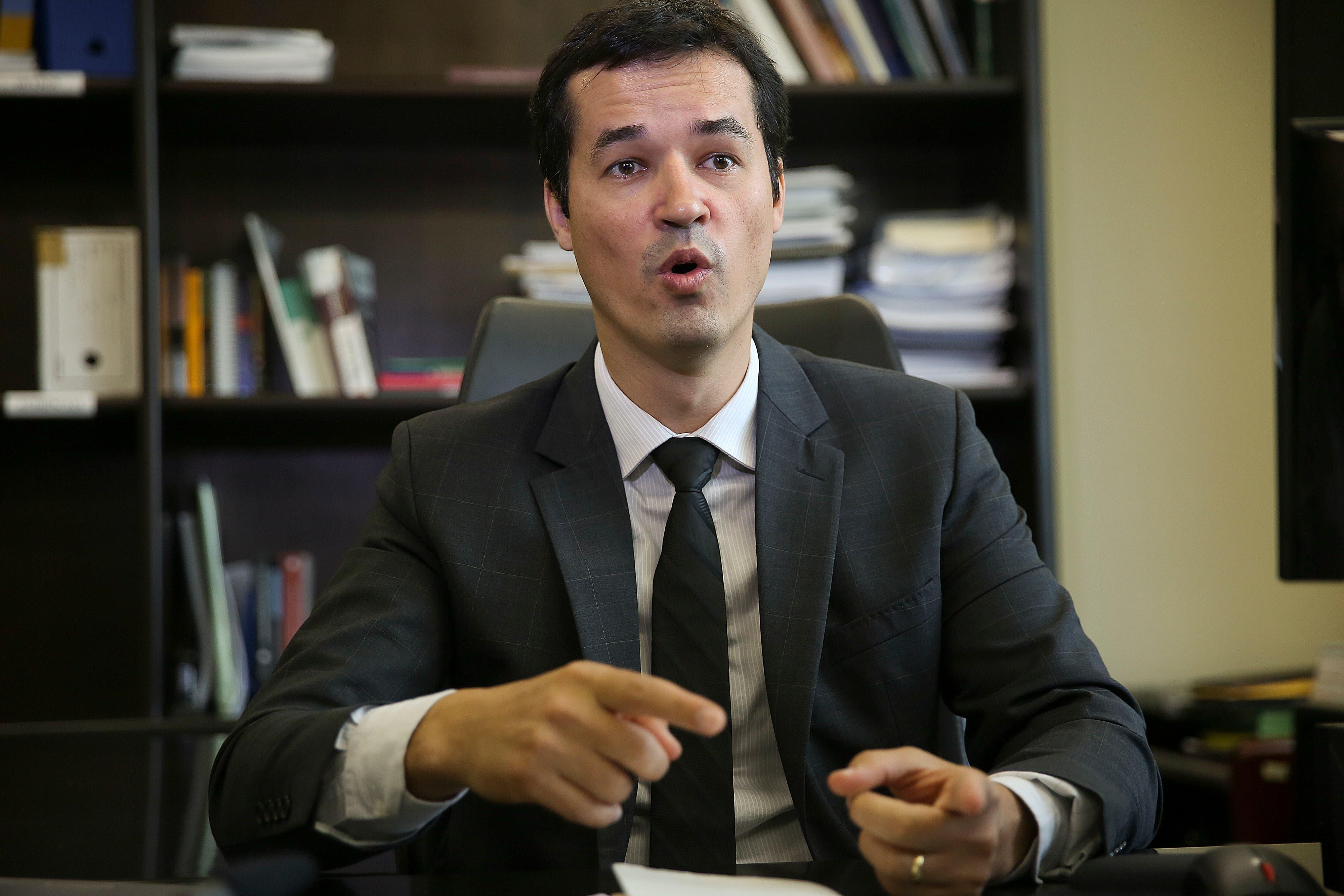 Resultado de imagen para Fiscal de Brasil Deltana Dallagnol