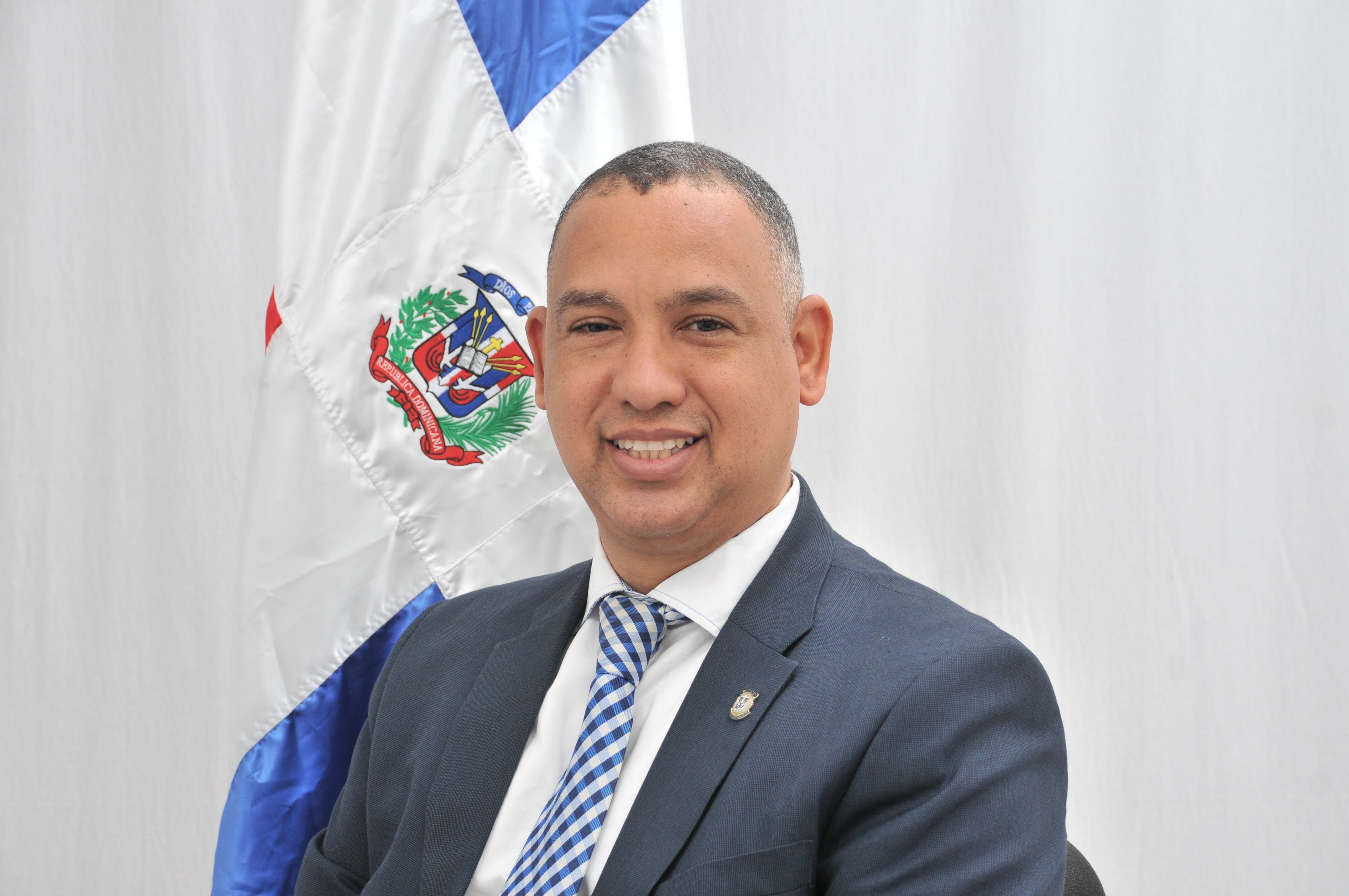 Diputado Alexis Jiménez reitera disposición de erradicar matrimonio a temprana edad