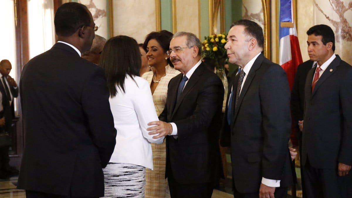 Resultado de imagen para saludo de Año Nuevo al presidente Danilo Medina