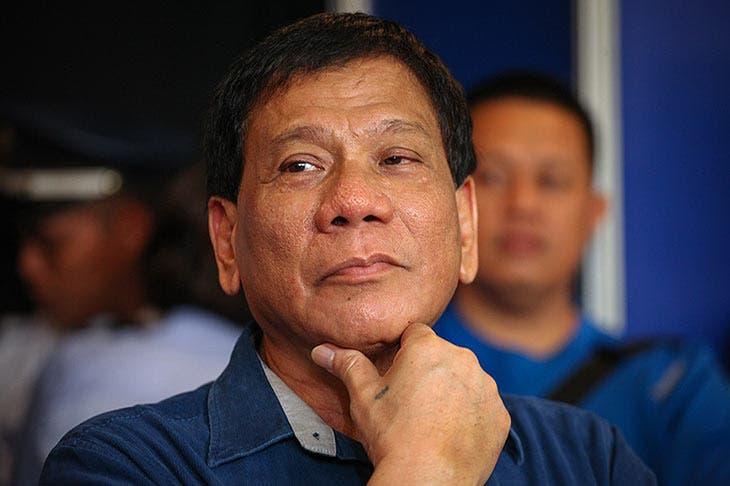 Presidente filipino amenaza con la cárcel a quien rechace la vacuna anticovid