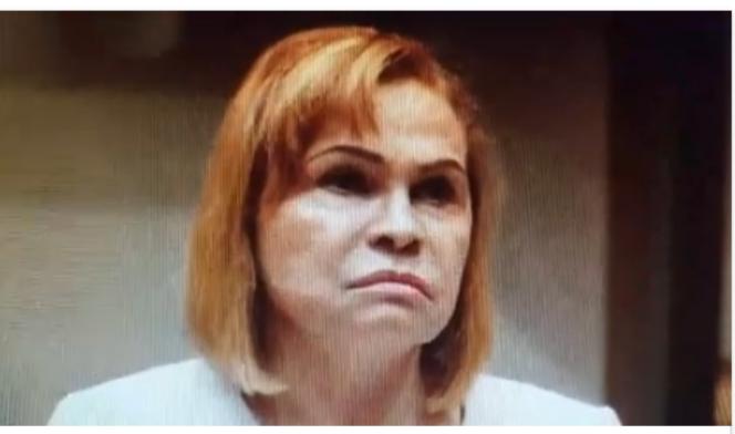 Sonia Mateo amenaza con «llamar a Palacio» si no sacan coronel de centro de votación