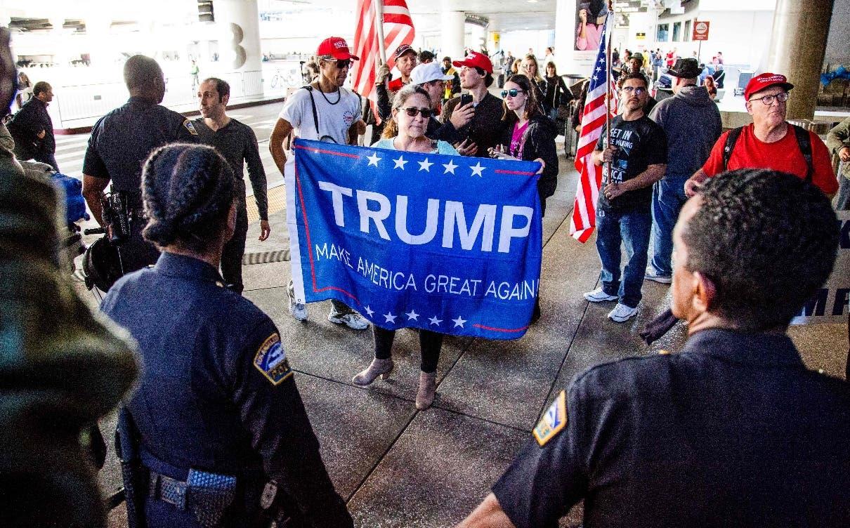 Universidad responde al veto de Trump con beca a refugiados