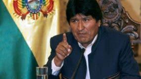 Evo Morales transmite un mensaje el 5 de diciembre de 2007 desde el palacio presidencial Palacio Quemado en La Paz. AFP