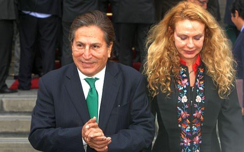 Esposa de Alejandro Toledo advierte a presidente de Perú que no la haga hablar