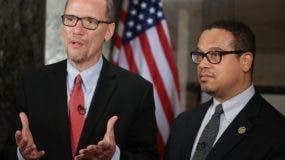 Tom Perez  y Keith Ellison. AFP