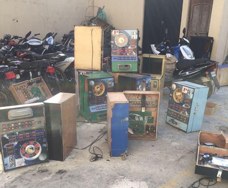 Confiscan 51 máquinas tragamonedas en varios lugares del país