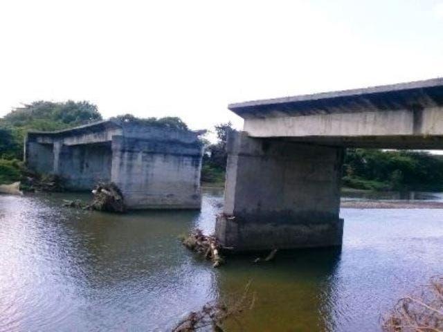 Piden al presidente Medina cumplir promesa de construir puente Villa Isabela