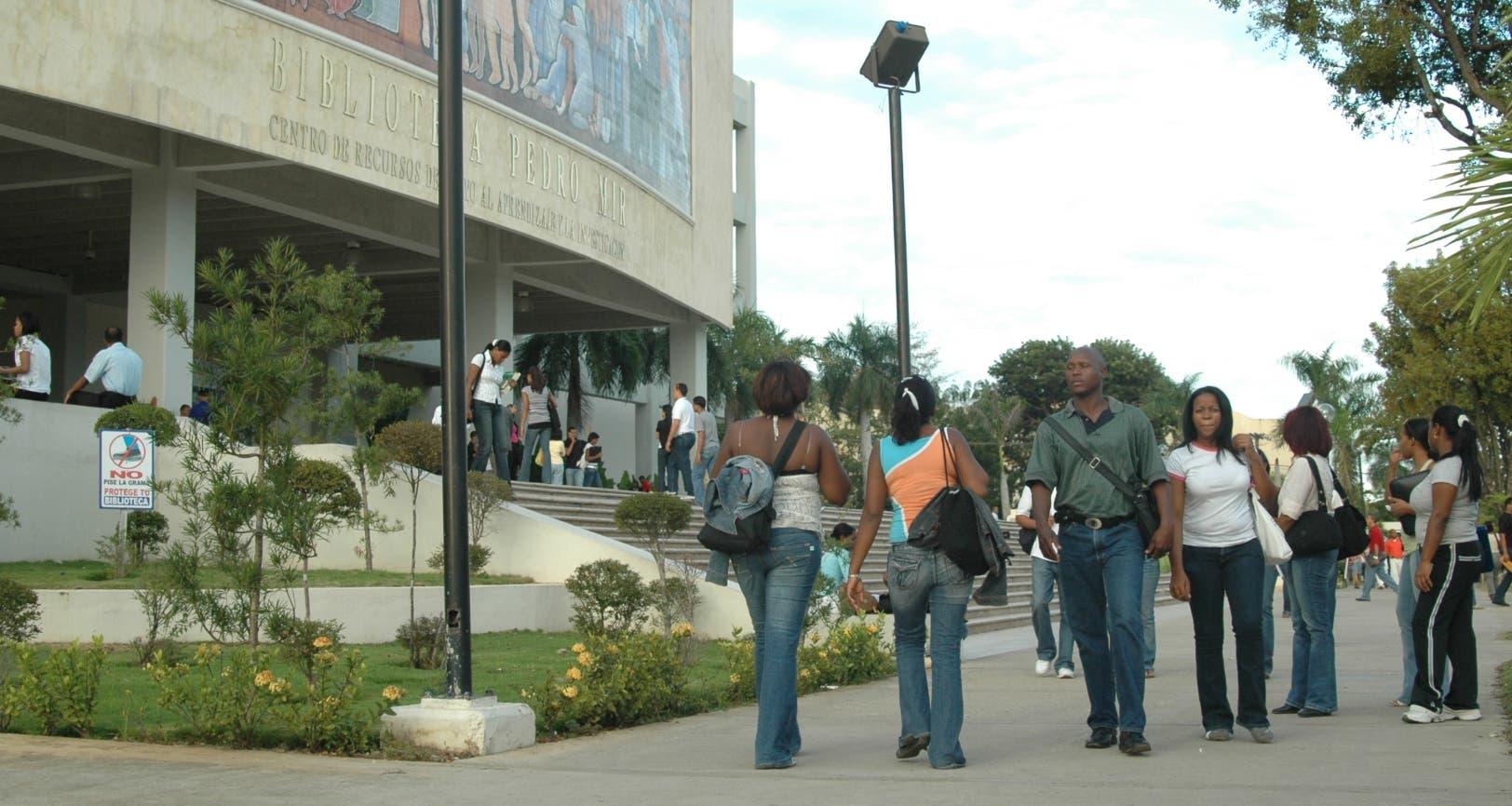 La Federación de Estudiantes considera llamado a paro de profesores «es una locura»