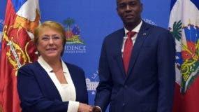 Los  presidentes Michelle Bachelet y Jovenel Moïse, de Haití.