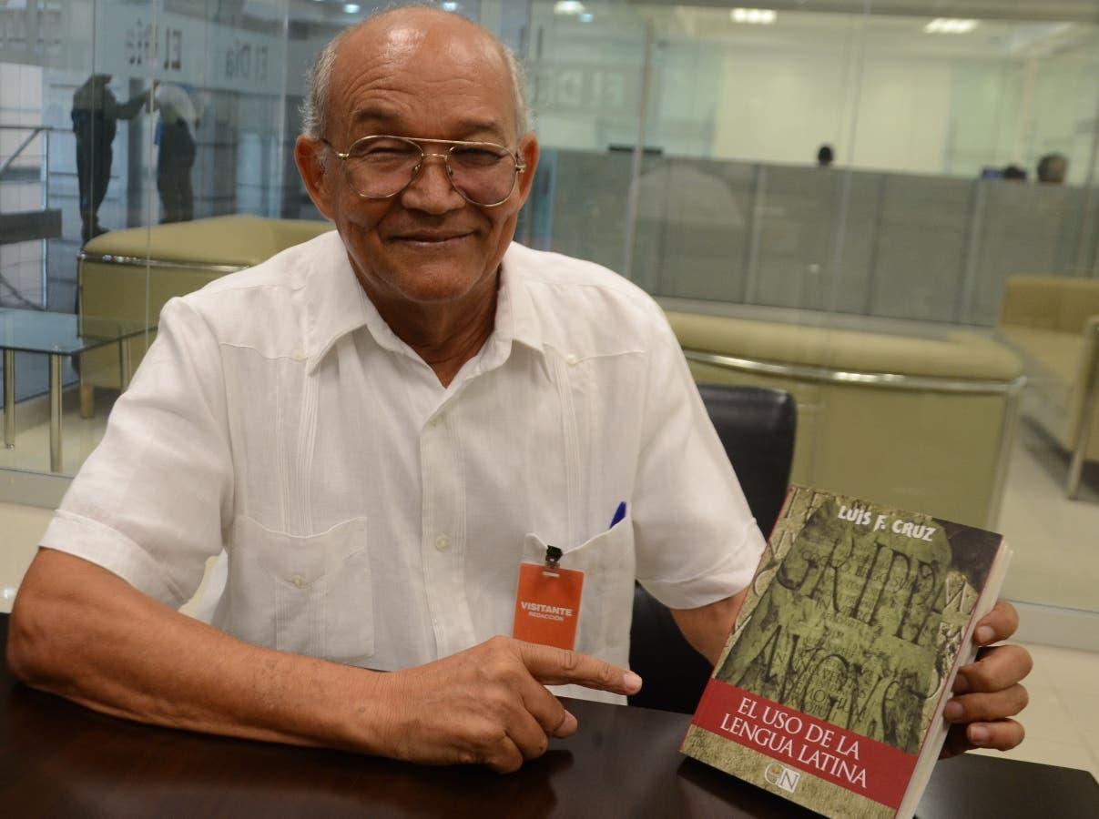 El catedrático  Luis F. Cruz habló durante una visita a la redacción de EL DÍA.