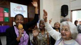Un domingo reciente, en el templo había unos 500 creyentes que oraban y cantaban. Foto: El Nuevo Herald.