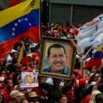 Simpatizantes del gobierno de Nicolás Maduro se movilizaron por las calles de Caracas en contra de la OEA.