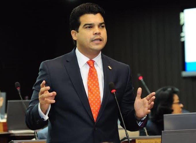 Wellington Arnaud, diputado del opositor Partido Revolucionario Moderno (PRM).
