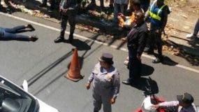 En el asalto participó un raso, quien resultó herido de bala en la cabeza.