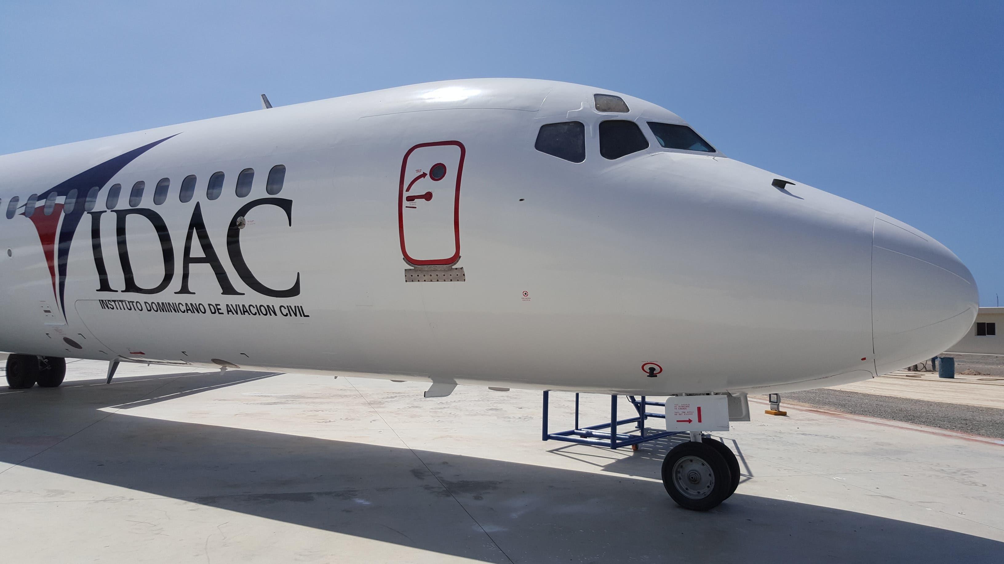 Pawa Dominicana dona aeronave al IDACpor su 20 aniversario