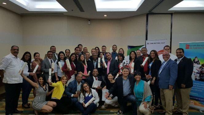 Cuna Mutual Group contribuye con formación financiera de cooperativistas
