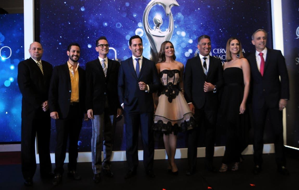 Pamela Sued y Francisco Vásquez conducirán Premios Soberano 2017