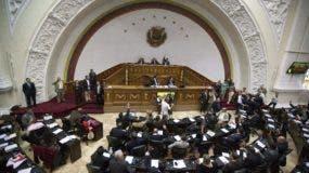 La Asamblea respaldó la activación de la Carta Democrática Interamericana y exhortó al Consejo Permanente de la OEA a que active los mecanismos para garantizar las elecciones y que se atienda con urgencia la crisis que enfrenta el país. (AP Foto, Fernando Llano, Archivo)