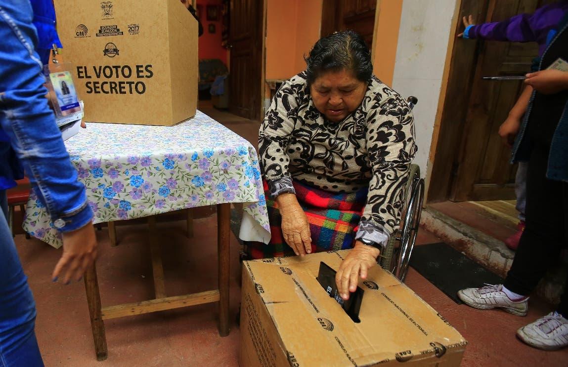 Ecuador entra en recta final de elecciones presidenciales