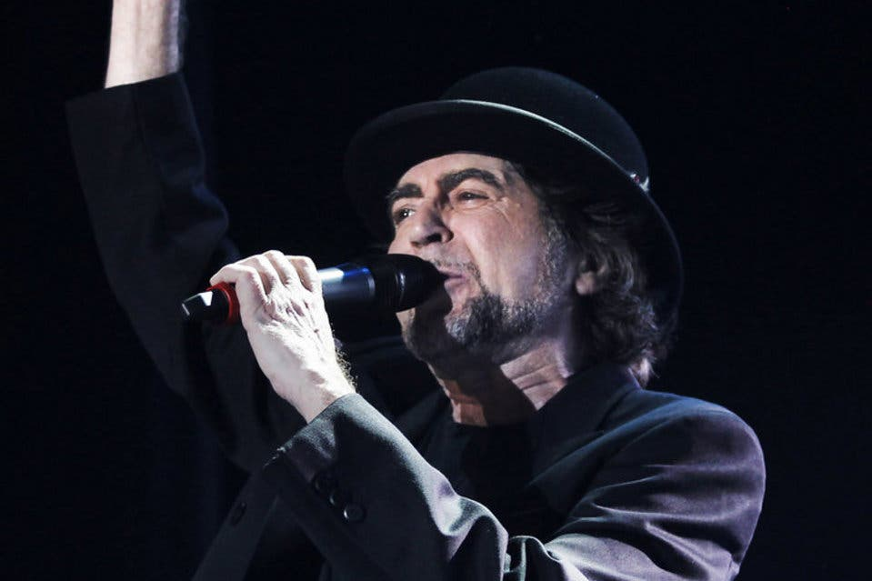 "Joaquín Sabina evoluciona ""favorablemente"" a las 24 horas de ser operado"