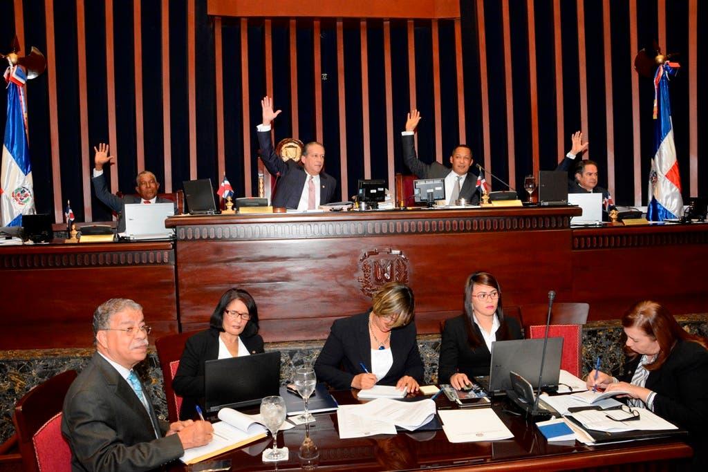 Senado aprueba proyecto ley Regula Derecho Petición de los Ciudadanos
