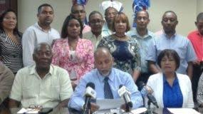 El  Comité Ejecutivo Nacional suspendió el lunes a los profesores acusados de delito sexual.