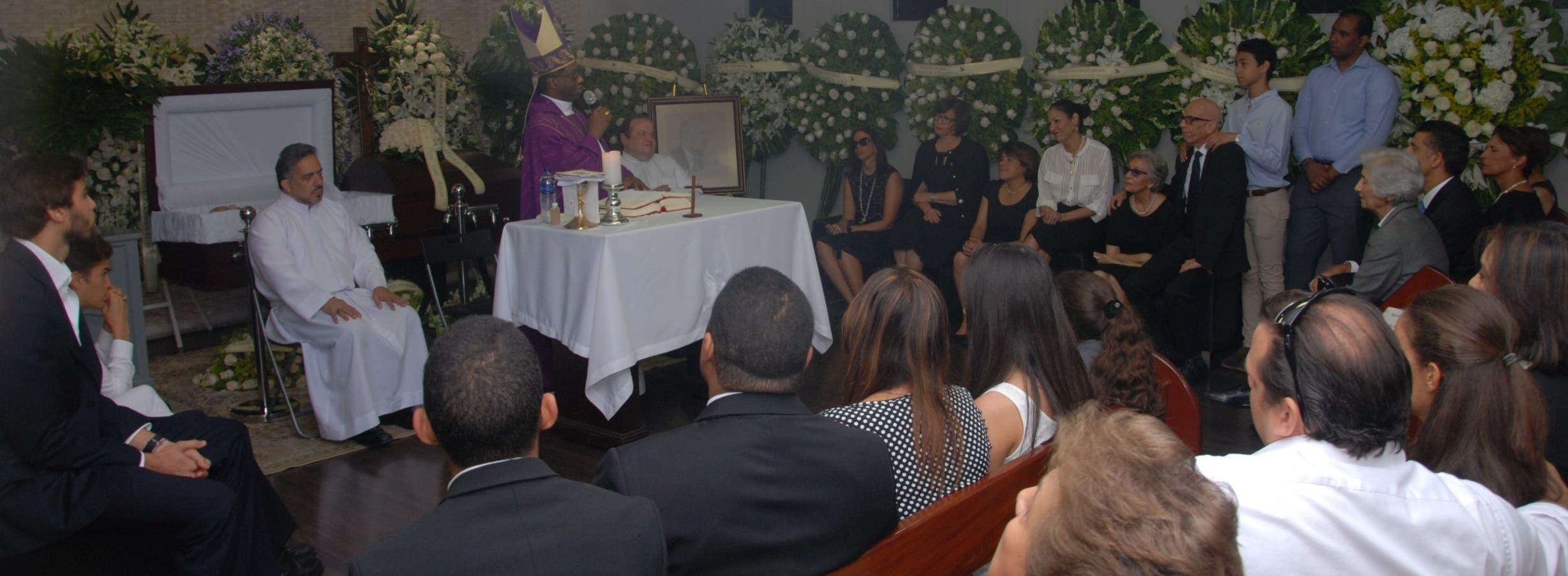 Nuncio Apostólico resalta dotes y fortalezas de Molina Morillo