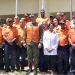 El director ejecutivo de la Defensa Civil, Rafael Antonio Carrasco, presentó parte de los voluntarios que estarán en las calles.
