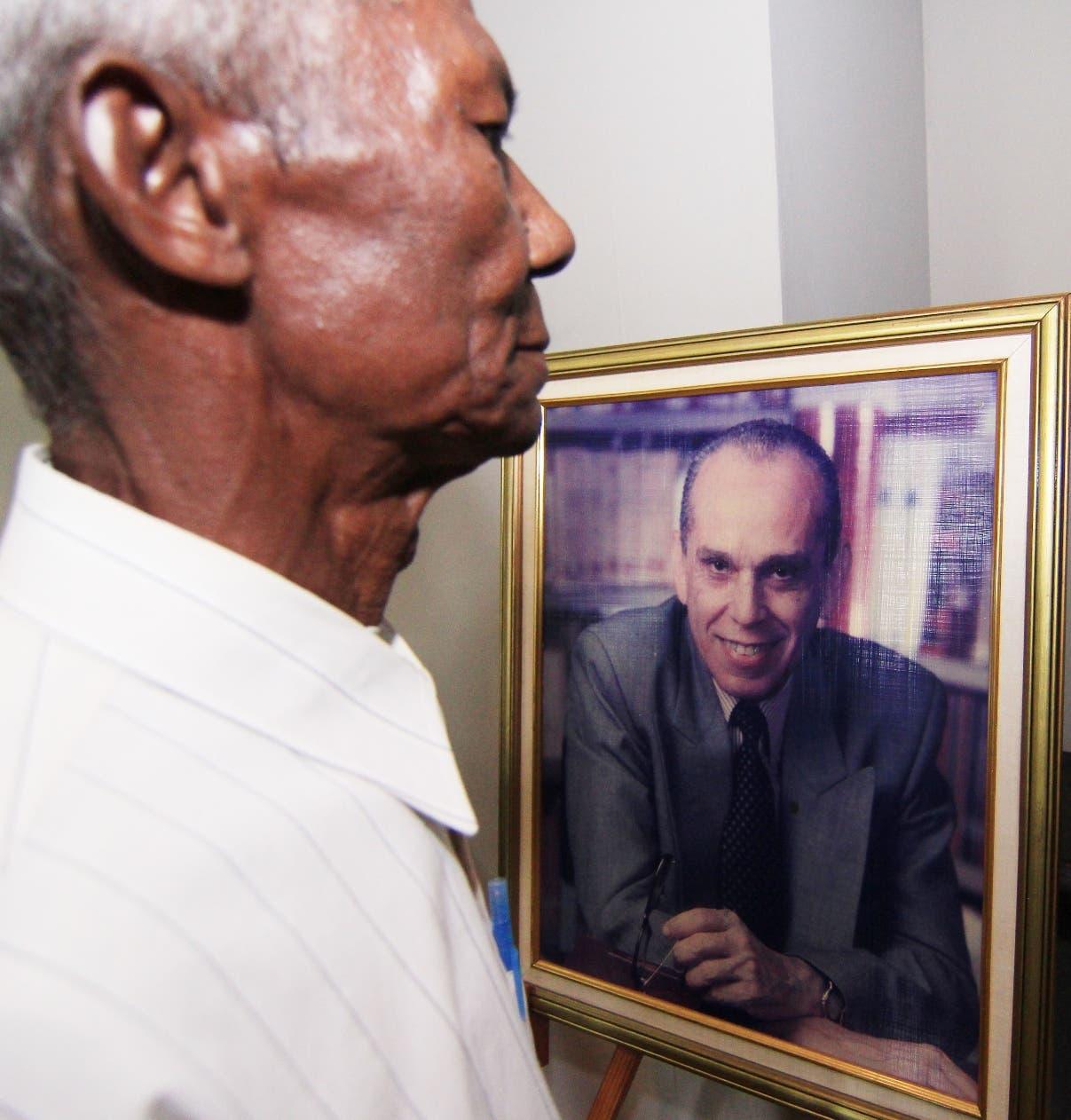 Ejemplo de Molina Morillo es resaltado en condolencias