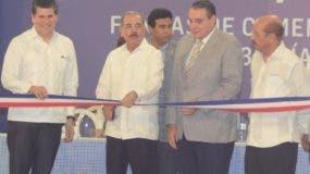 El presidente Danilo Medina encabezó el acto de inauguración de la nueva línea de ensacado