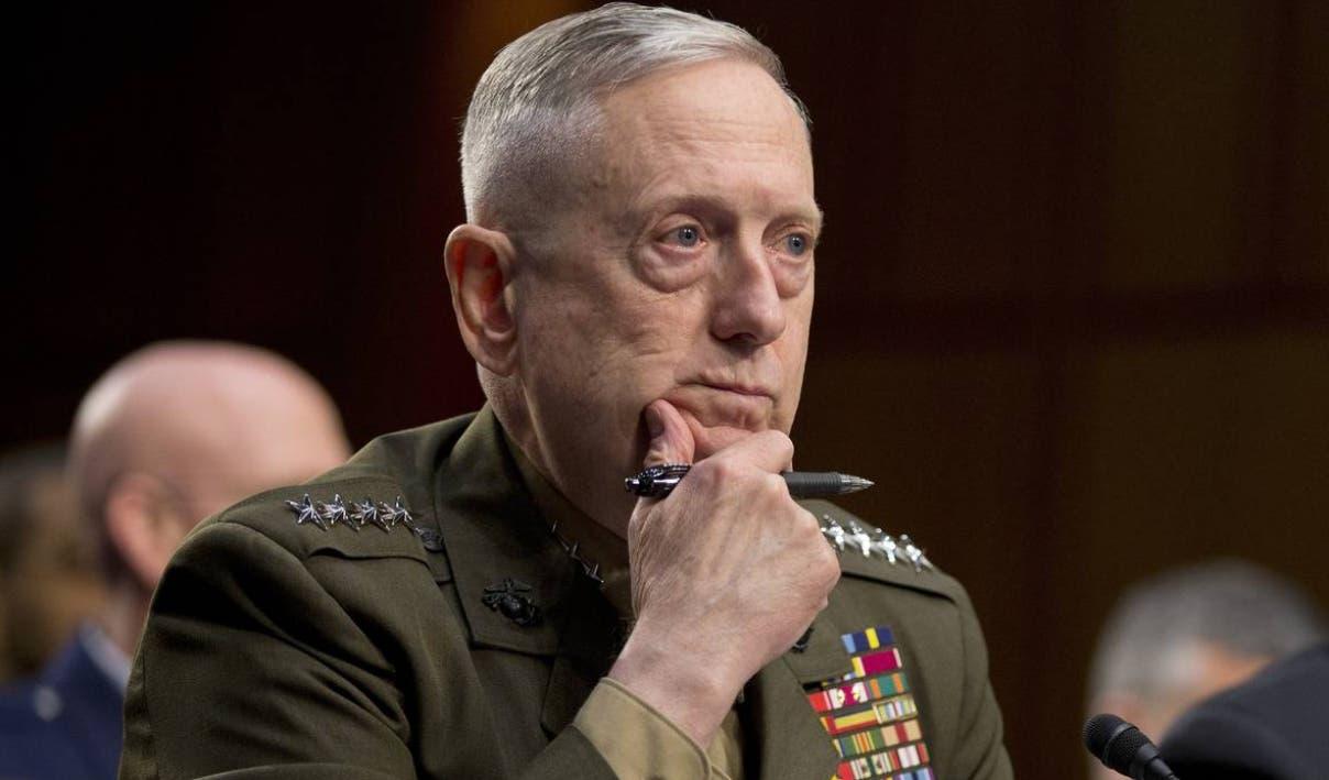 El secretario de Defensa estadounidense, Jim Mattis, inició una gira por el convulso Medio Oriente.