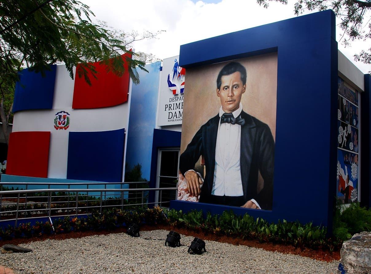 El   Despacho de la Primera Dama hizo honor al bicentenario de Francisco del Rosario Sánchez.