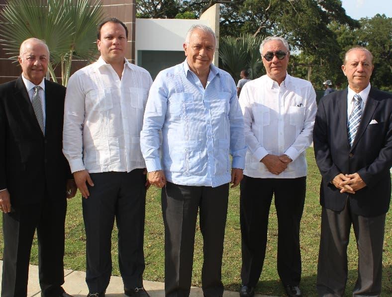 Rafael Vargas, Xavier Blanco, Germán Blanco, Leonado Varga y Nicolás Vargas.