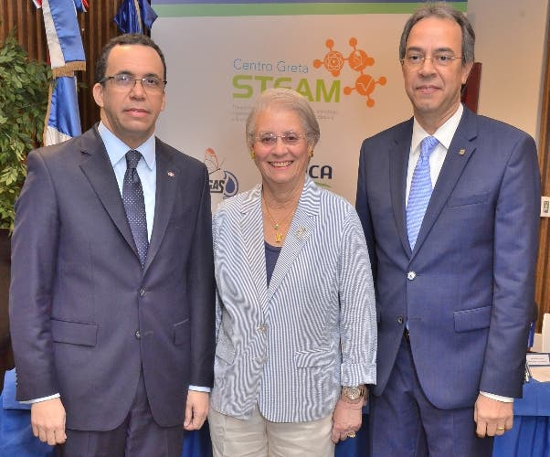 Andrés Navarro, Rosa Margarita Bonetti de Santana y José Mármol.