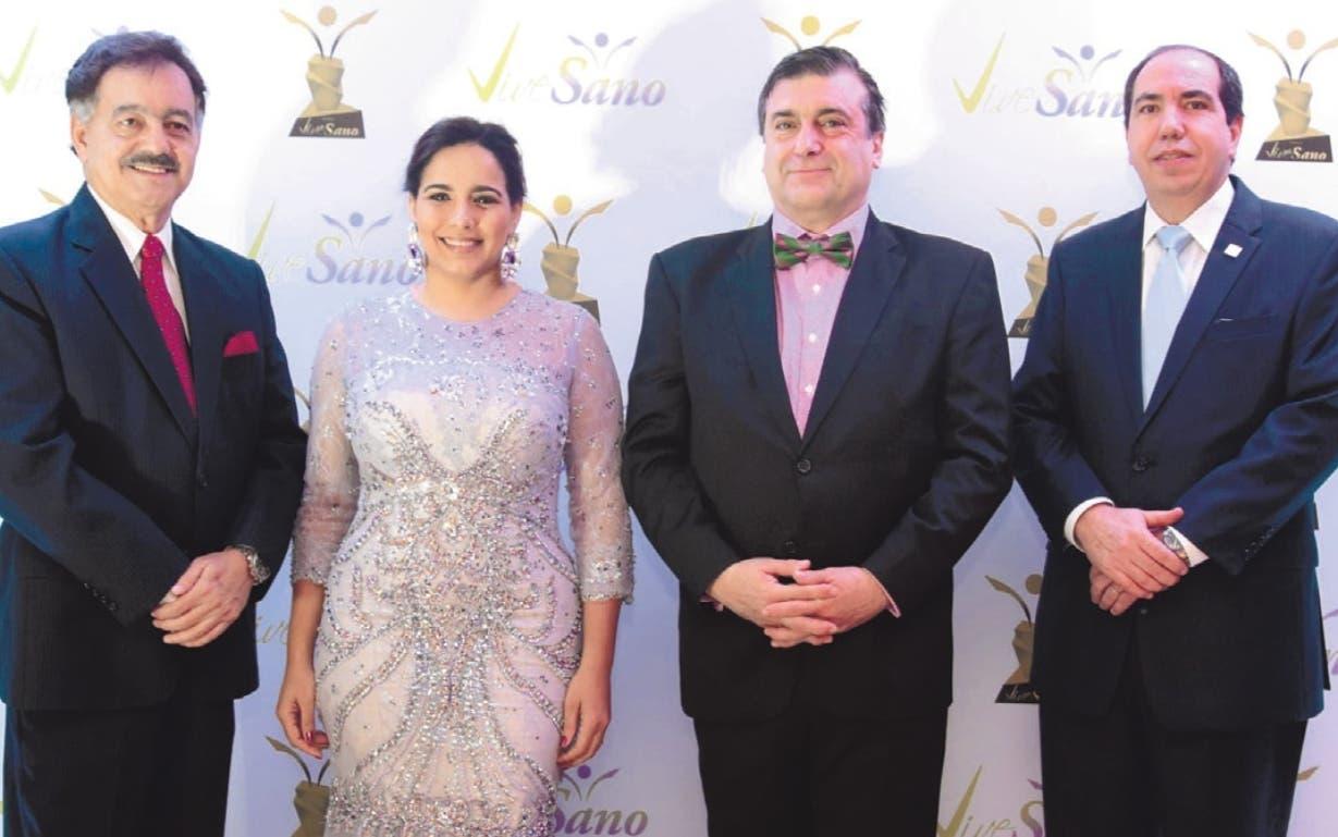 Ernesto Díaz Álvarez, Elizabet  Gutiérrez, Fernando Moreno y Darío Veras.