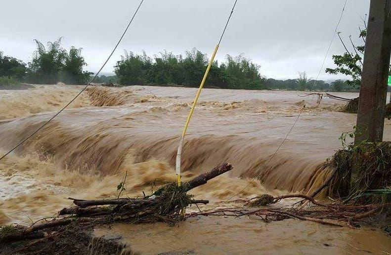 Varios ríos están desbordados por la cantidad de lluvia caída.