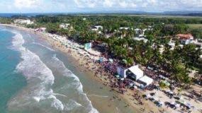 banistas-abarrotaron-playas-de-puerto-plata-en-las-ultimas-horas-de-la-semana-santa-2