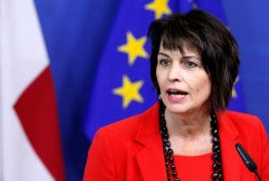 Doris Leuthard, presidente de Suiza Salario: $401.929 (400,000 francos suizos)