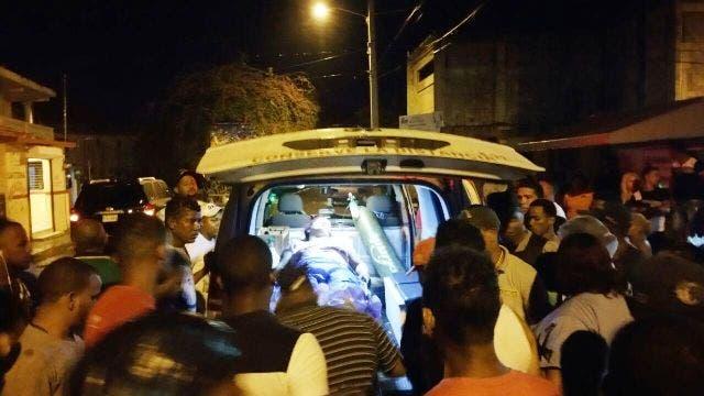 Hombre intenta asesinar su mujer en Villa Isabela hiriéndola de un balazo