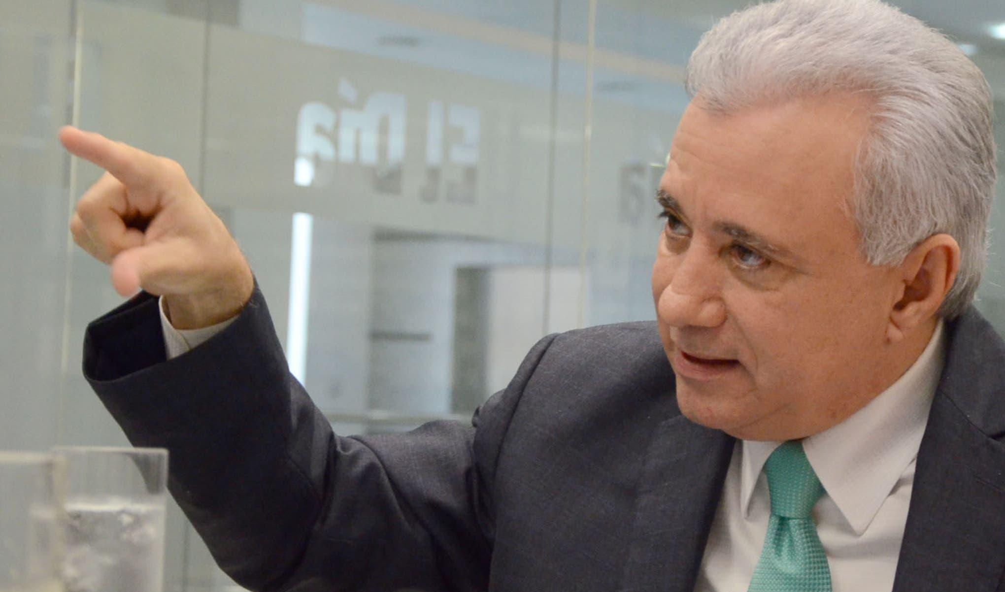 Taveras entiende que el país debe tener un servicio exterior que promueva las exportaciones.