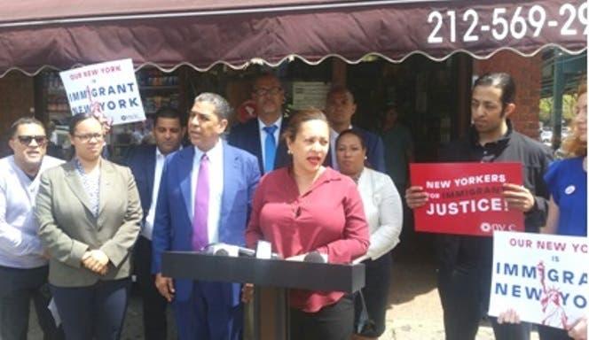 senadora-estatal-dominicana-ny-llama-cerrar-negocios-apoyo-inmigrantes