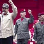 El presidente venezolano Nicolás Maduro defiende su plan de defensa nacional.