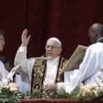 El papa Francisco durante el  Urbi et Orbi. AP