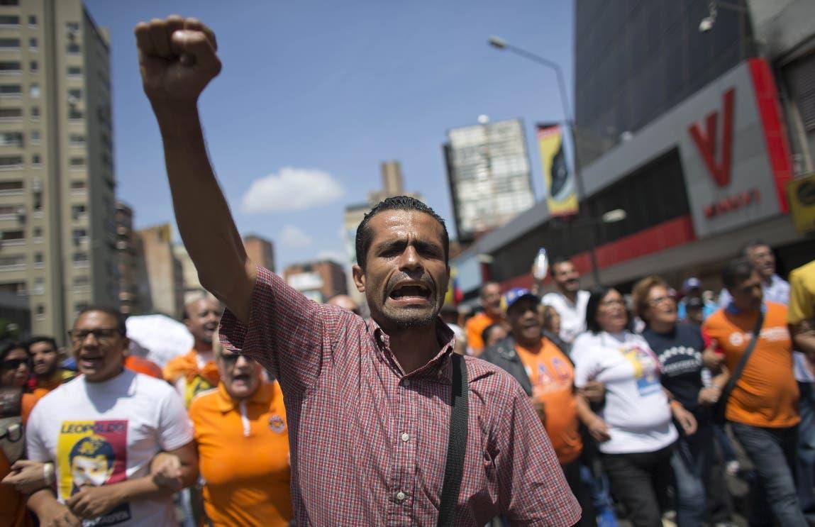 Opositor venezolano Capriles pide referendo sobre su inhabilitación
