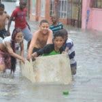 Calles inundadas y viviendas anegadas  en  sector Maquiteria. Foto: Alberto Calvo