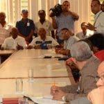 Una de las reuniones del Comité Nacional de Salarios para debatir el tema del reajuste.