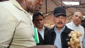 El presidente Danilo Medina prometió ayudar a los productores.