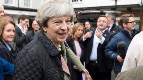 Theresa May aspira a ser  reelegida como primera ministra.