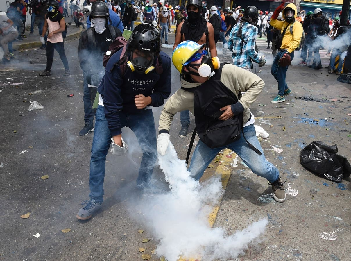 El centro de Caracas arde ante protestas