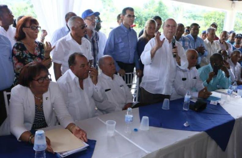Hipólito anuncia buscará la Presidencia comicios 2020